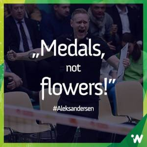 Tore Aleksandersen skyr blomster i følge Impel Wroclaw.