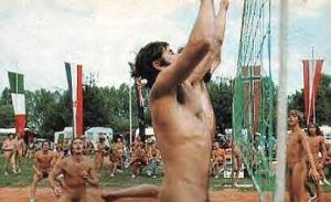 Volleyball er den mest populære sporten blant nudister