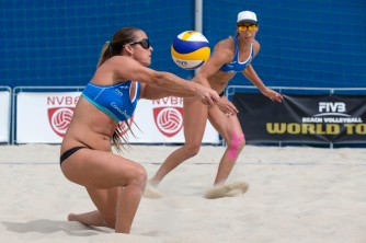 Brooke Sweat (foran) og Lauren Fendrick (USA)