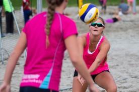 Vilde Sørbø - forberedelser til EM sandvolleyball 2014 på Voldsløkka i Oslo.
