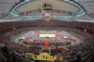 Åpningsseremoni på Warsaw National Stadium samlet rundt 62 000 volleyballtilhengere og markerte starten på det 18. VM for menn.