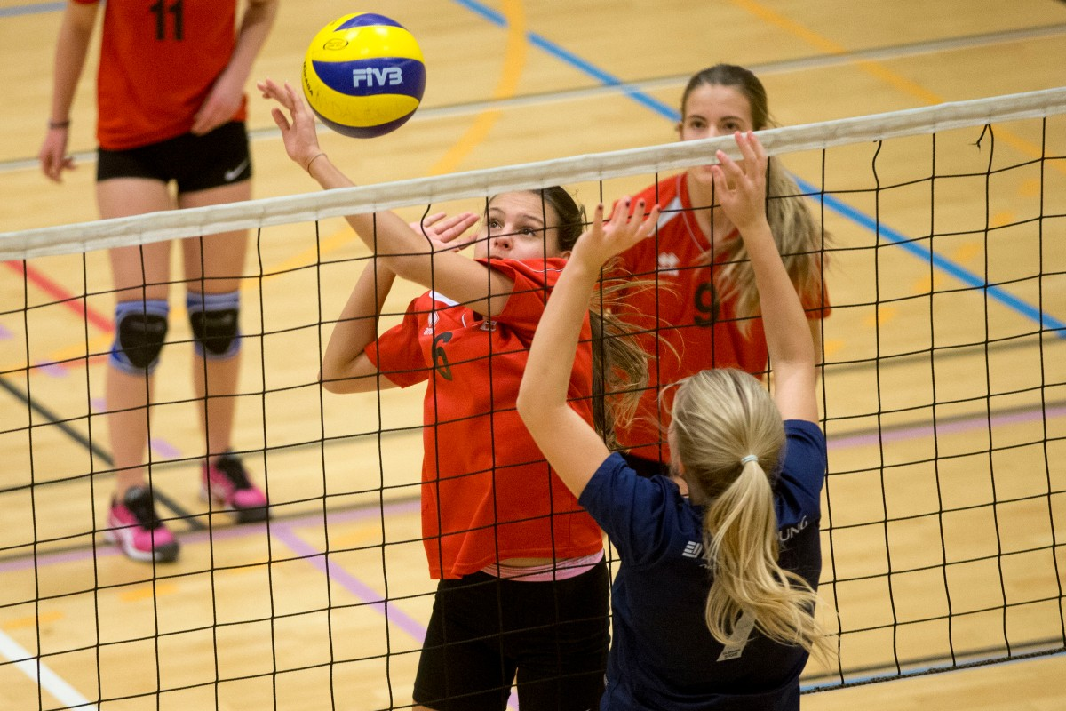 Ny nettregel for volleyball og sandvolleyball (video)