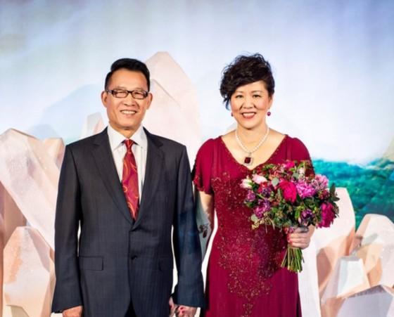 Jenny Lang Ping giftet seg for andre gang med Wang Yucheng i 2016