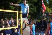 Lars Rydland dømte finalen men Mathias Berntsen var ikke alltid på dommerens side.